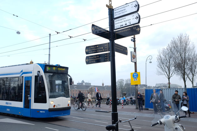 Amsterdam-innovative-wayfinding-signage