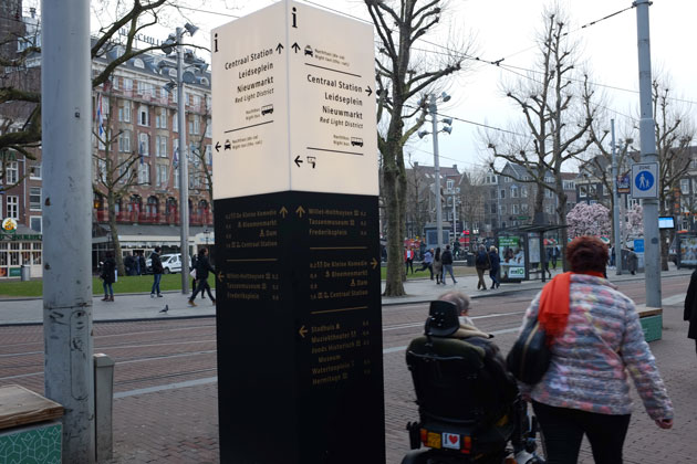 Amsterdam-wayfinding-innovative-signs_