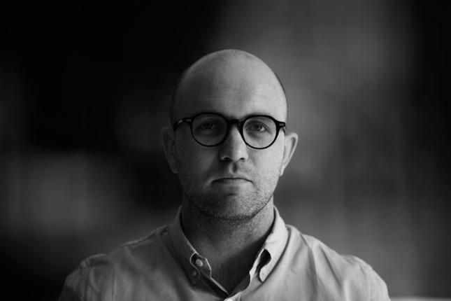 Portrait Hamish-Smyth-designer-walknyc-wayfinding